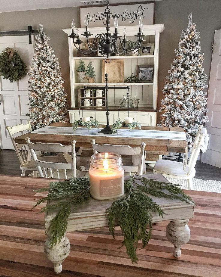 farmhouse christmas, rustic holiday style, flocked Christmas trees, natural Christmas decorations, Holiday decorating ideas #CountryPrimitive #PrimitiveBathrooms #PrimitiveKitchen