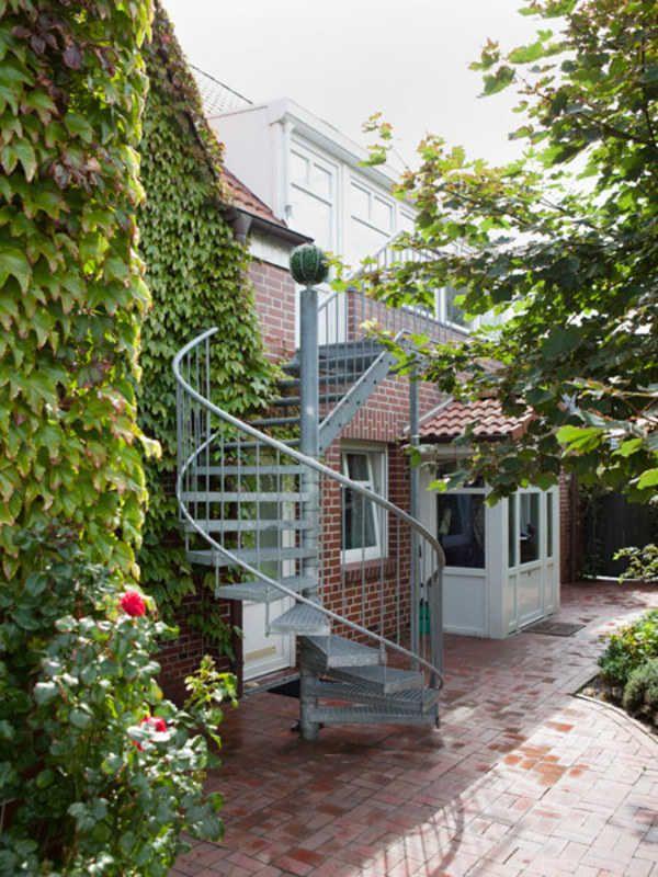 ber ideen zu treppe au en auf pinterest eingangstreppe au entreppe stahl und holztor. Black Bedroom Furniture Sets. Home Design Ideas