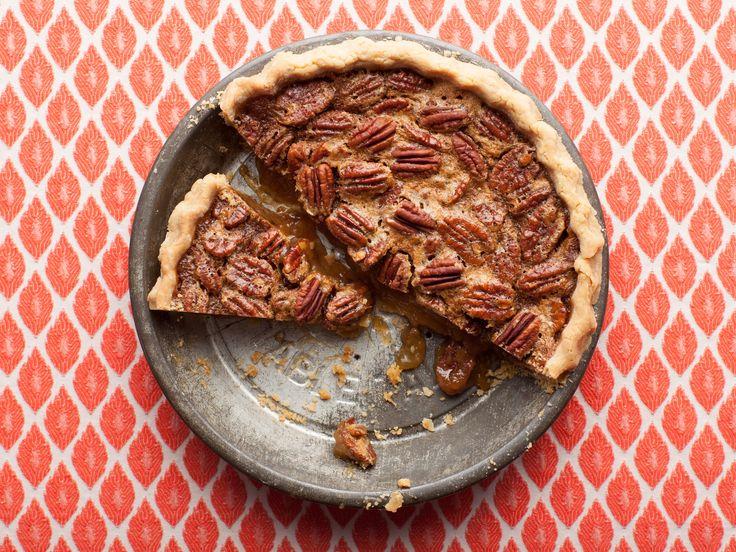 Ree Drummond's Pecan Pie #ThePioneerWoman #Thanksgiving #ThanksgivingFeast #Dessert