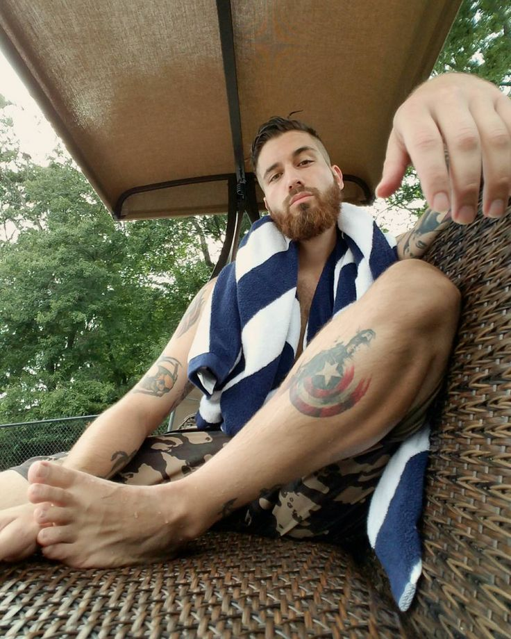 Gay muscle cruise gallery