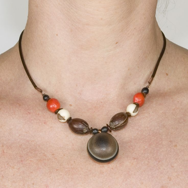 collier en graine naturelle : Collier par jacaranda-jewels