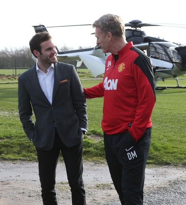 Mata arrive en hélico à Manchester  - http://www.europafoot.com/mata-arrive-en-helico-manchester/