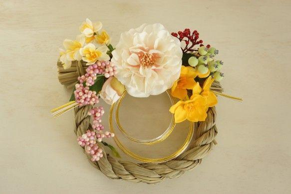 お正月飾り(椿と水仙)*受注制作*|しめ縄・しめ飾り|木の葉|ハンドメイド通販・販売のCreema