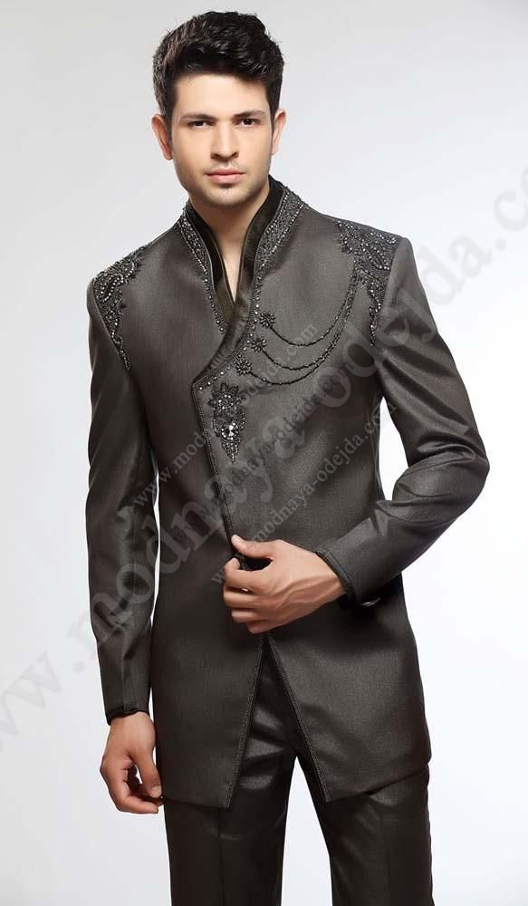 Тёмно-серый свадебный / вечерний мужской костюм-двойка, украшенный вышивкой скрученной шёлковой нитью, бисером и стразами