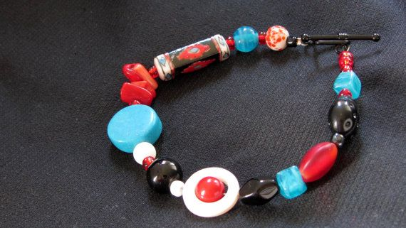 Red Black and Turquoise Beaded Bracelet by AmarisJewelry on Etsy, $5.00