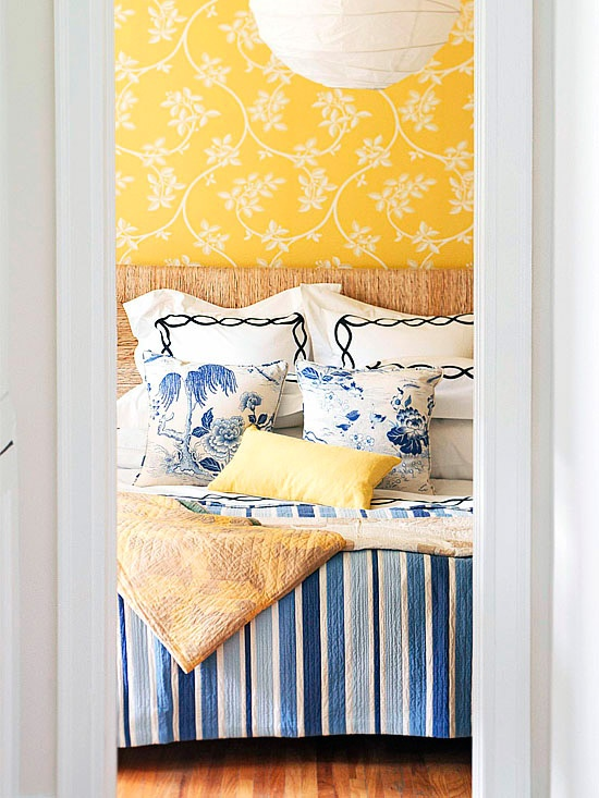 Floral wallpaper meets stripes & floral patterns: Floral Patterns, Color Schemes, Bright Color, Blue Yellow Bedrooms, Master Bedrooms, Bedrooms Yb, Cheeri Blue Yellow, Bright Bedrooms, Bedrooms Ideas