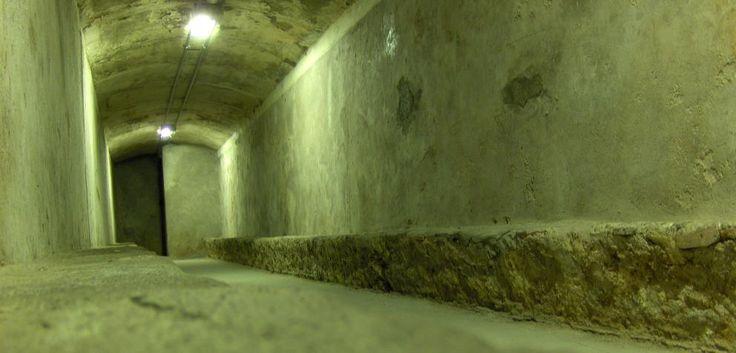 Vista del interior de las galerías de los refugios subterráneos de Almería. (Schumi4ever/CC)