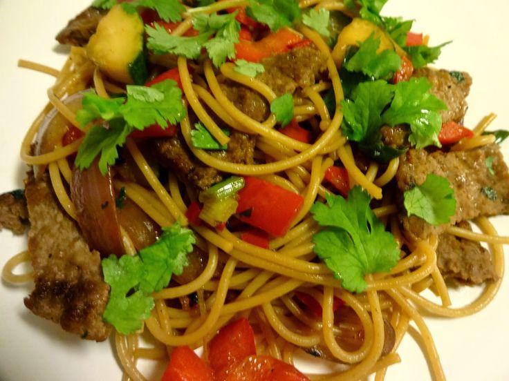 Edel's Mat & Vin : Pasta og grønnsaker med løvstek & asiatisk saus !