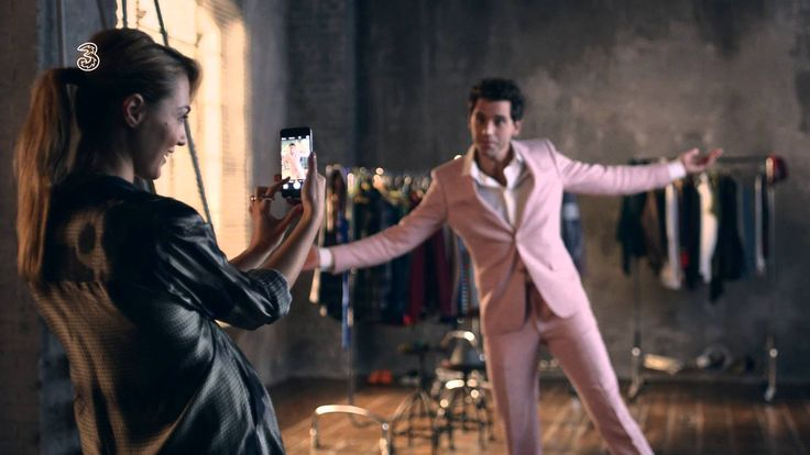 """Mika in an Italian commercial for the iPhone 6 w a snippet of a new song! """"Watch the sunset, don't know if you care... Here I stand, Staring at the sun, Distant lands, Staring at the sun ...the same one..."""""""