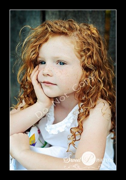 Kids photography - Love her curly hair!