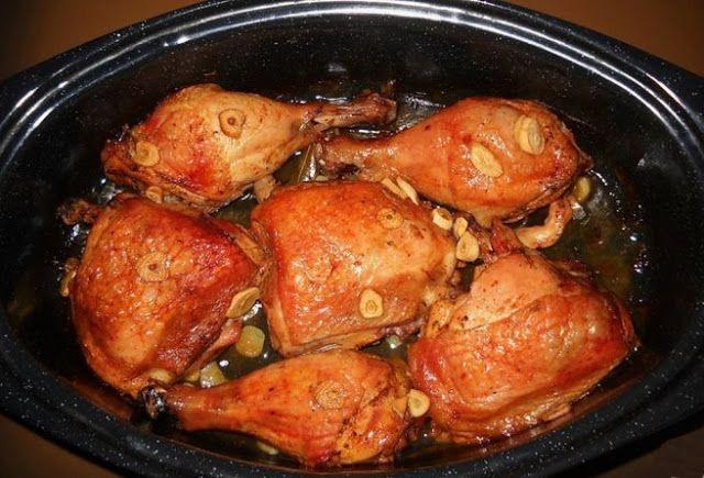 Pulpe de pui cu vin si usturoi la cuptor - Bunătăți din bucătăria Gicuței