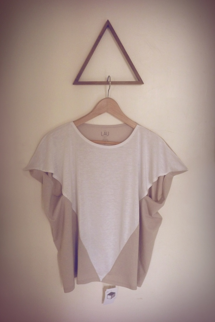 Tetrahedron tee ▼   beige+white  http://www.lauclothing.com/collection/xyzt-collection/