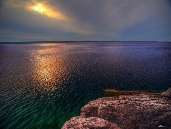 Beautiful coloured waters around Manitoulin Island, Ontario