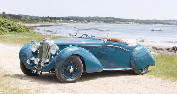 Um dos destaques da coleção, o Lagonda LG6 Rapide Drophead, de 1939 Foto: Divulgação/Bonhams