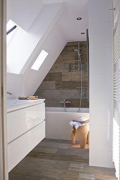 badkamer zolder  onder schuin dak