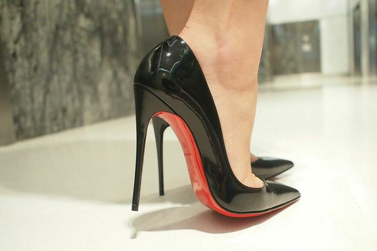 Christian Louboutin So Kate. Tacchi Close-Up #Heels #Tacones #Shoes
