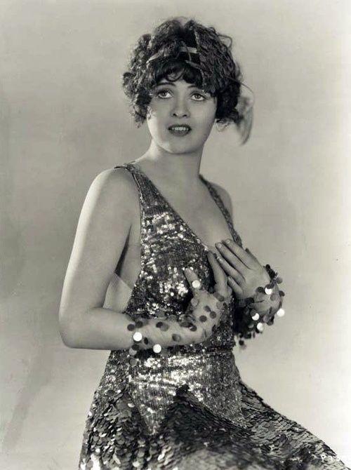1940s retro fashion tumblr   flapper   Chorus Girl Style of the 1920s ...