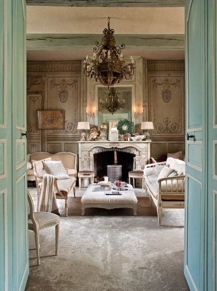 French Romance Through A Poetic Setting Of Antiques And Shabby Chic Furniture 2