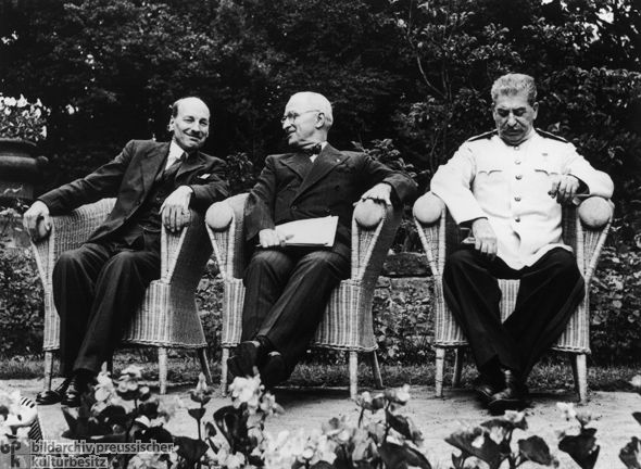 1945 – The Potsdam Declaration is signed in Potsdam, Germany. | The Potsdam Conference defined the framework for the Allied occupation ...