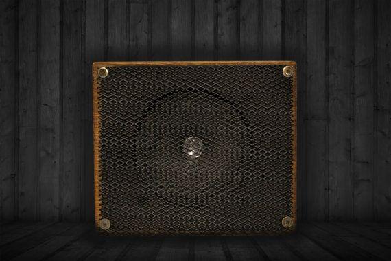 Garage en bois Amp par GarageWorkshopStudio sur Etsy