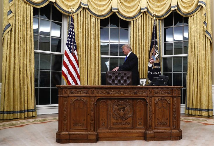 oval office resolute desk. Tea On The Resolute Desk Earlier This Week. | Photography Pinterest Oval Office