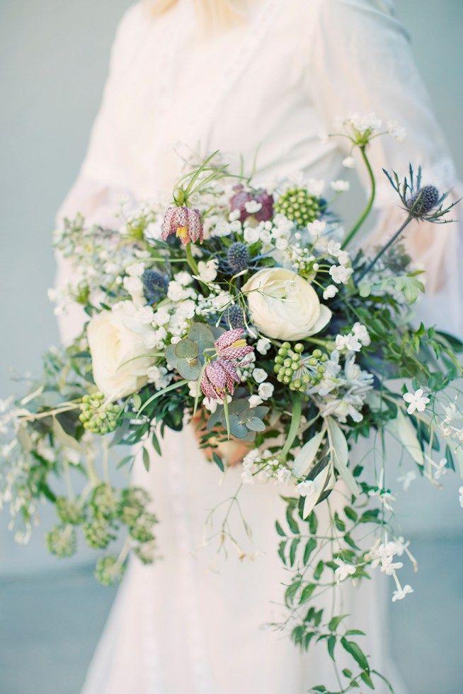 Varig brudbukett med kungsängslilja och ranunkler