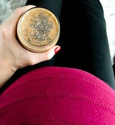 Labor Prep Smoothie. Start drinking this your third trimester for a healthy delivery! #naturalbirth (1 of 1)