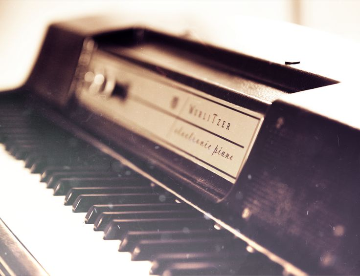 wurlitzer electric piano ( The Sound of Soul )