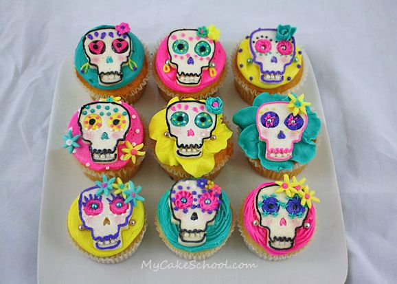 Tutorial for Dia de los Muertos!  Buttercream frosting/chocolate skulls ;0)