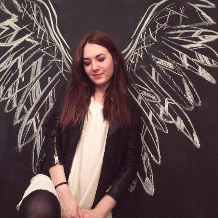 New chalkboard idea at home for a selfie driven world. I loved doing these chalk feather wings as my backdrop
