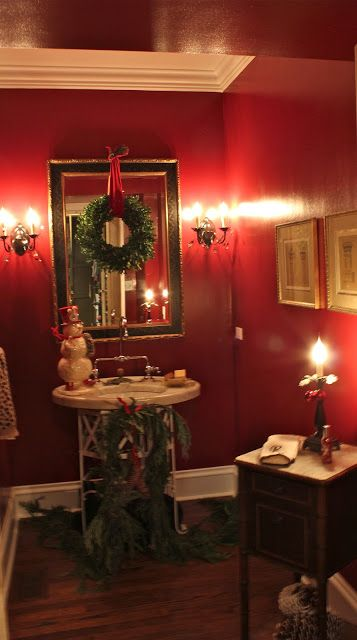 Holiday Bathroom Decor!