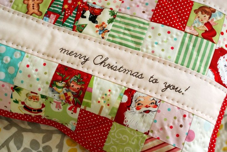 Christmas patchwork pillow (made by Amy at Nana Company)Handmade Pillows, Christmas Crafts, Christmas Pillows, Nanacompany, Nana Company, Christmas Quilt, Christmas Ideas, Christmas Patchwork, Patchwork Pillowscushion