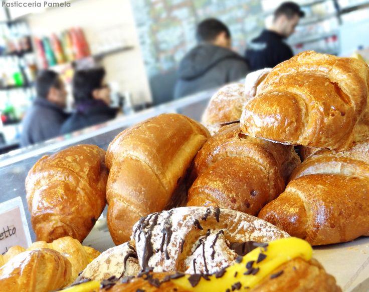 Colazione....in compagnia!! #colazione #pasticceriapamela #modena Seguici su https://www.facebook.com/PasticceriaPamela