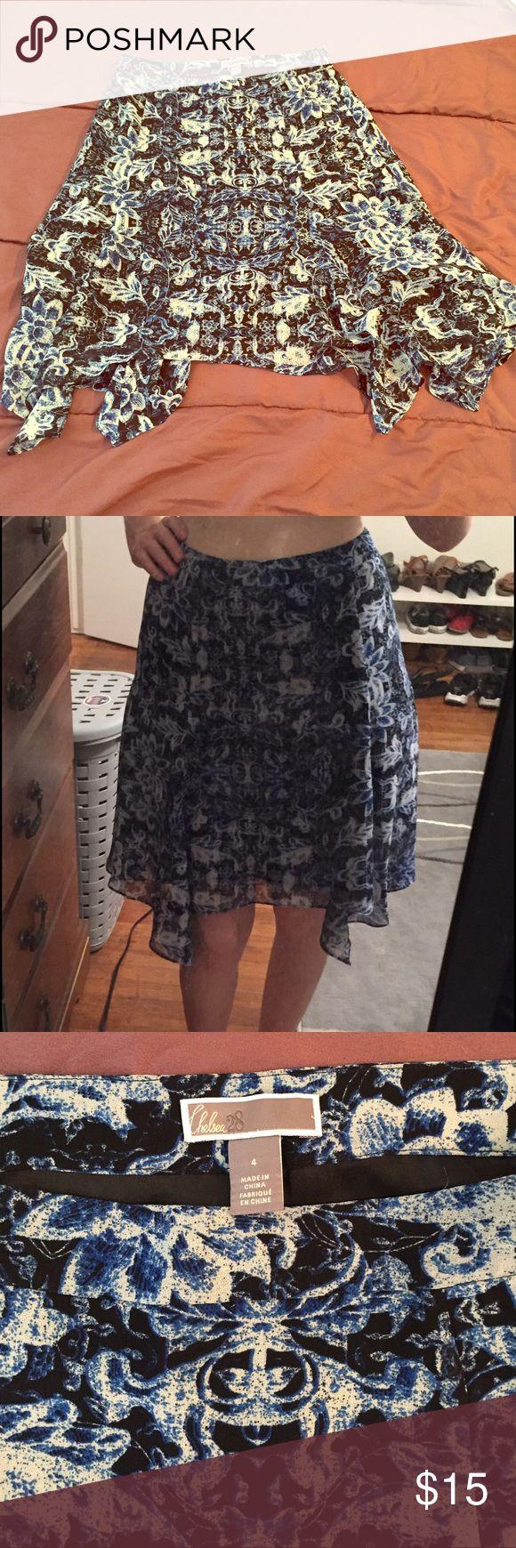 NWOT- Black & Blue patterned skirt 💃🏻💃🏻💃🏻 From Nordstrom Rack. Never worn, but no tags. Fits up on the waist and pairs well with black top tucked in. Great for work or a night out dancing. Perfect condition. Nordstrom Skirts Midi