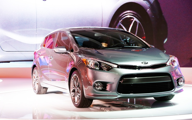 2014 Kia Forte Hatchback First Look - 2013 Chicago Auto Show - Motor Trend