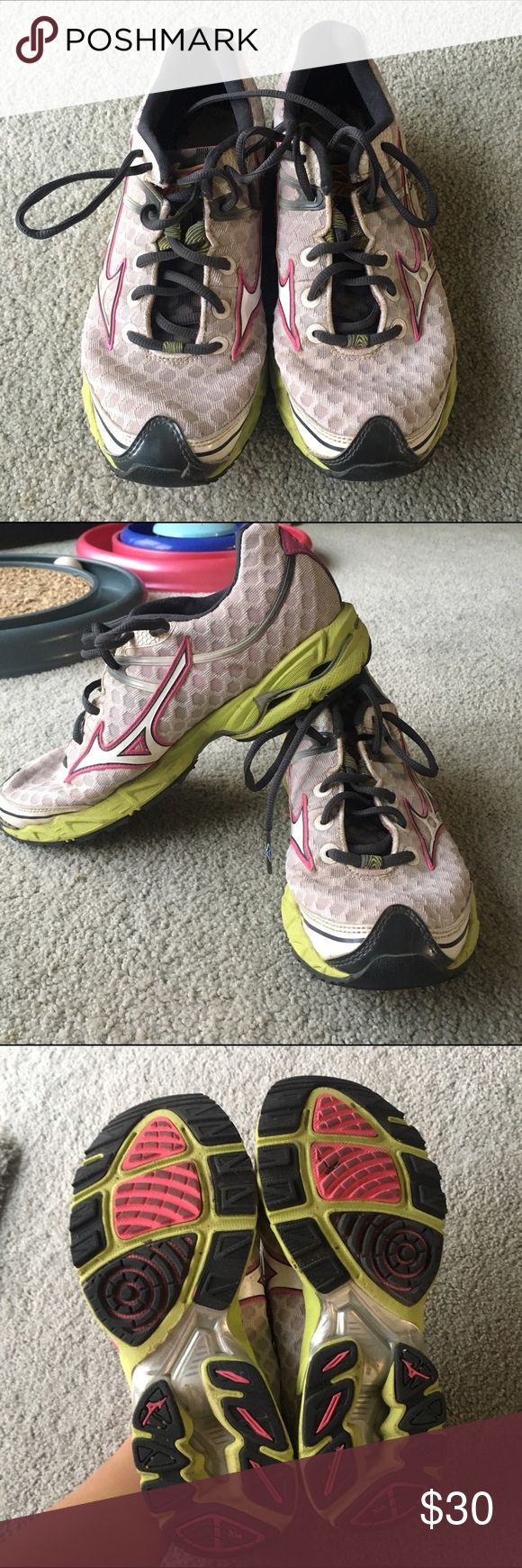 Mizuno Wave Precision 12 Decent amount of wear but are still a good walking/jogging shoe. the insole was taken out so a new one would need to be put in place. Price is negotiable so feel free to make an offer(: Mizuno Shoes Athletic Shoes