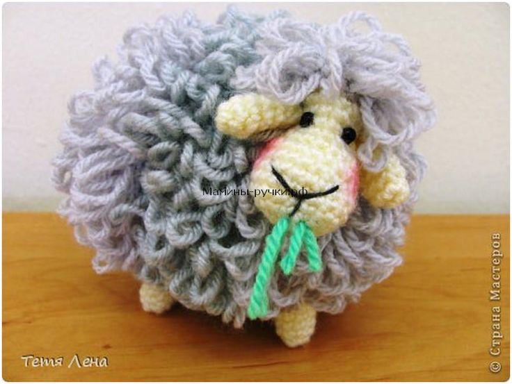 Овца, связанная длинными петлями крючком (sheep crochet)