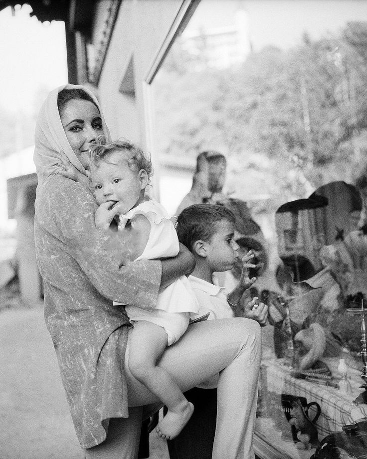 """la-liz: """"ELIZABETH TAYLOR ALONE WITH HER CHILDREN IN GSTAAD IN 1962 AFTER FINISHING CLEOPATRA AND BEING SEPARATED FROM RICHARD WHILE HE TRIED TO MAKE HIS MARRIAGE WORK. """""""