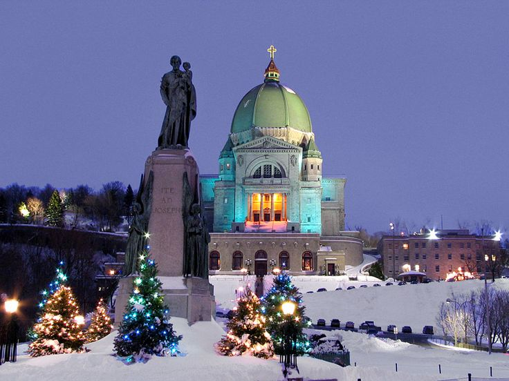 Oratoire Ste. Joseph (St. Joseph's Oratory) an evening shot, at Christmas time, Montréal