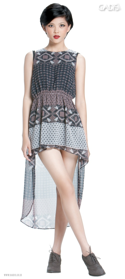 This asymmetric dress surely will make you get more attention!