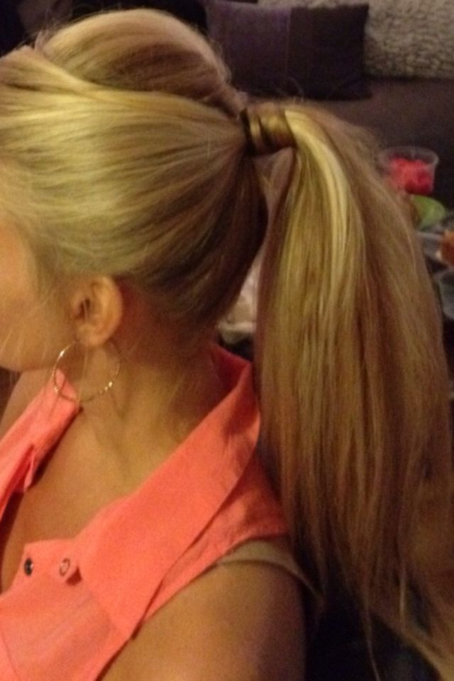 Dressy ponytail. Wedding guest hair. Blonde pony. Teased pony.
