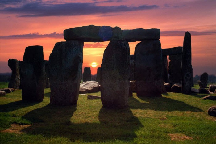 Uncovering the purpose of the stonehenge sculptures