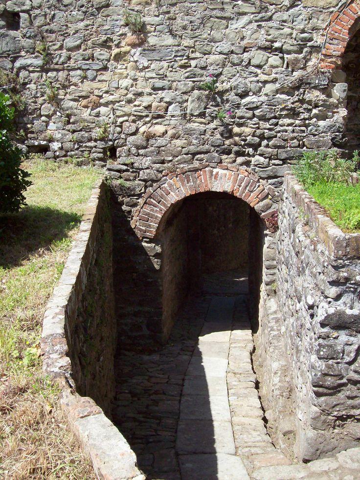 Interno Rocca Castiglione Garfagnana