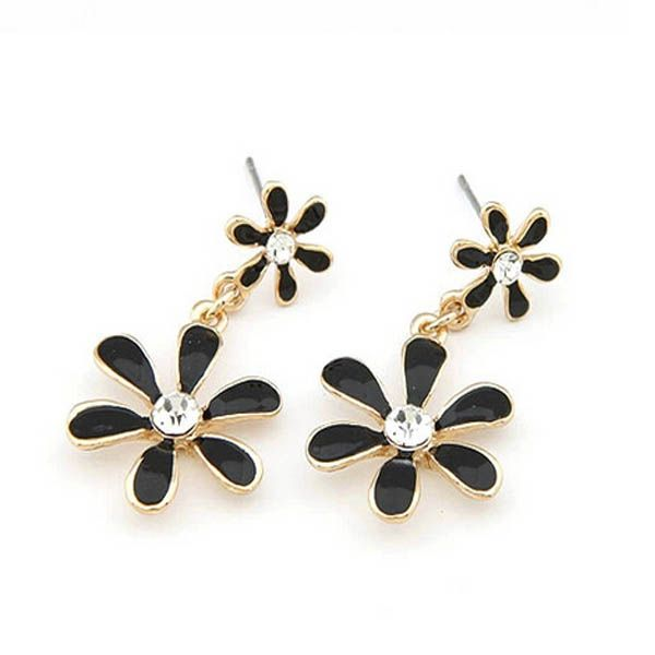 Vintage Black Enamel Daisy Earrings with Rhinestone's - really cute - http://lily316.com.au/shop/collection/vintage-enamel-daisy-earrings-with-rhinestone/