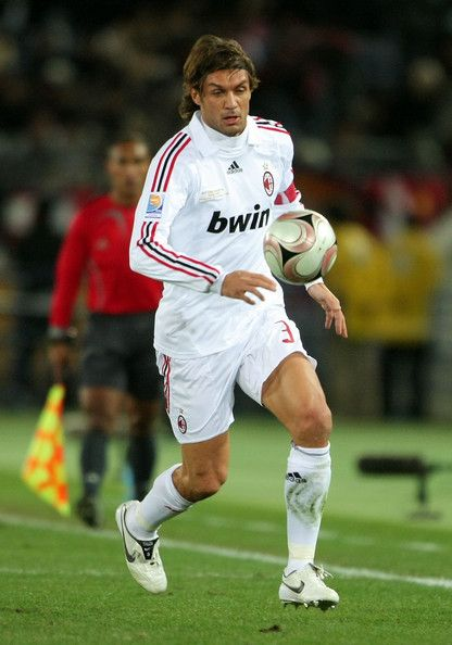 Paolo Maldini Photo - Boca Juniors v AC Milan --- FIFA Club World Cup Final