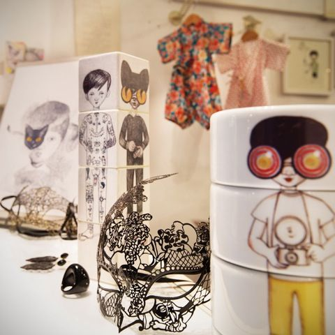 Sneak a peak to some of our products: #eroticmask #babykimono #cubosmutantes #mutantcubes #illustratedmug #generosdepunta #madeinbarcelona #localshop