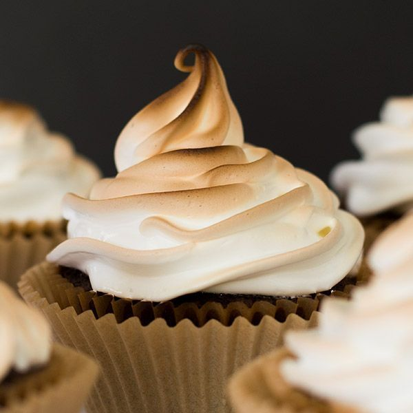 Light and fluffy marshmallow frosting. Delicious to eat and easy to make!