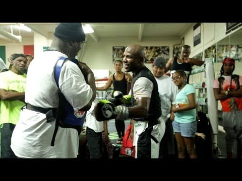 Mayweather Proves Age is Not a Factor - YouTube