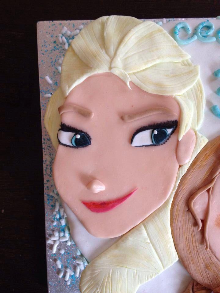 Elsa (Frozen Cake)! ❄️ DIY with sugarfondant!