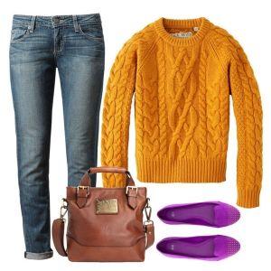 С чем носить фиолетовые балетки: джинсы, горчичный свитер и коричневая сумка